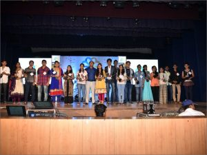 2016-edumentor-manish-sir-with-toppers