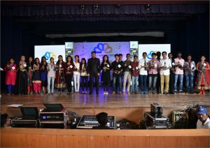 2016-edumentor-manoj-sir-with-toppers-2